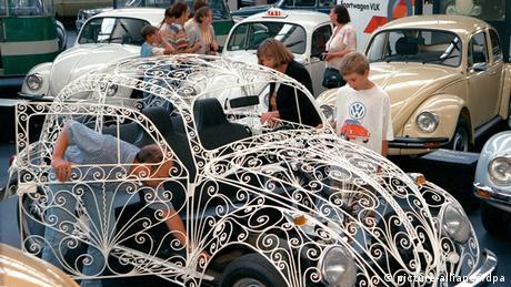 Hochzeitskäfer VW-Automuseum in Wolfsburg (picture-alliance/dpa)