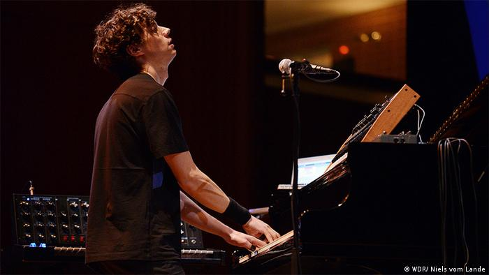 c/o Pop Band Aufgang Pianist