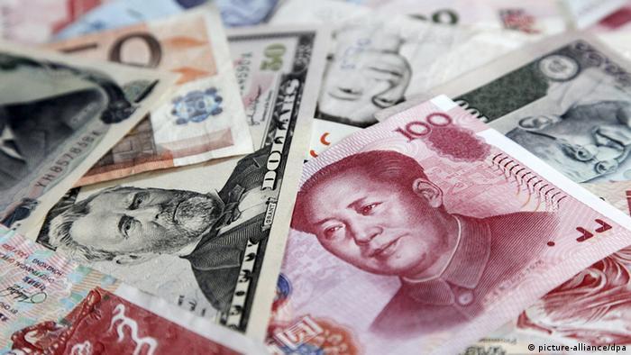 Cédulas de yuan e dólar