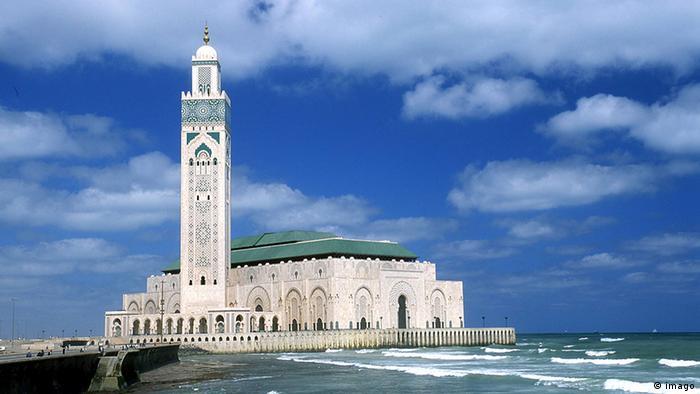 Bildergalerie moderne Sakralbauten Marokko Hassan II. Moschee in Casablanca (imago)