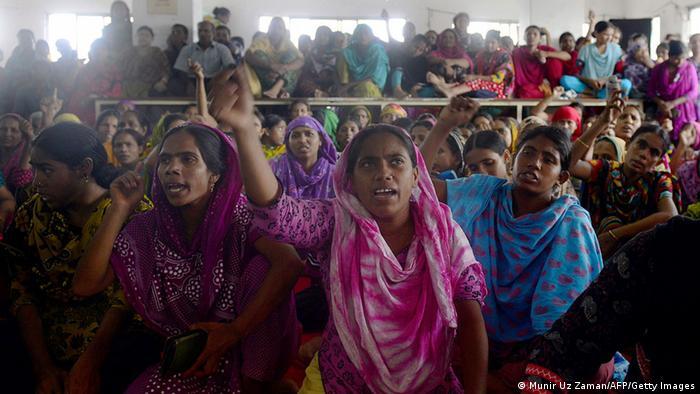 Bangladesch Tuba-Arbeiterinnen Protest Unbezahlte Löhne