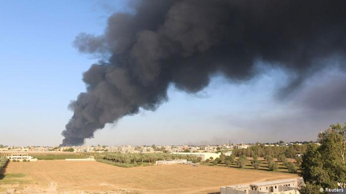 Libya smoke (photo: REUTERS/Hani Amara)