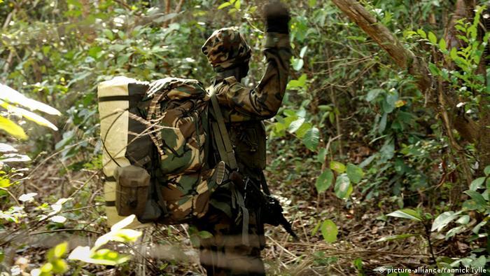 Tropas ugandesas perseguem membros da Exército da Resistência do Senhor