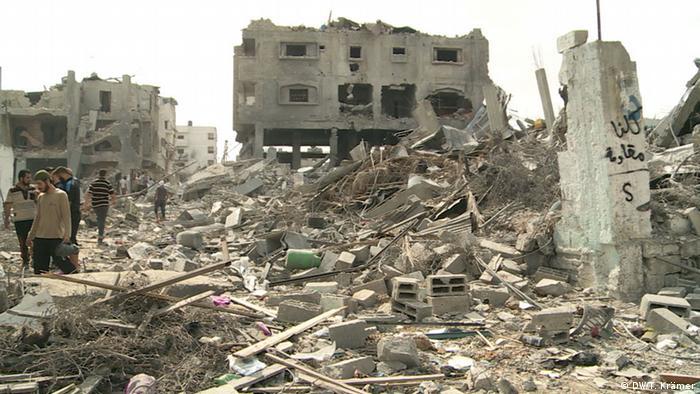 Bombed out buildings copyright: Tania Krämer
