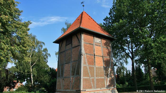 Колокольня разрушенной фахверковой церкви