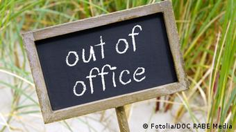 Табличка с надписью Out of office