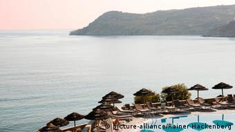 Μέχρι και 1500 ευρώ το εισιτήριο για συναυλία του Αντώνη Ρέμου σε παραλία της Μυκόνου