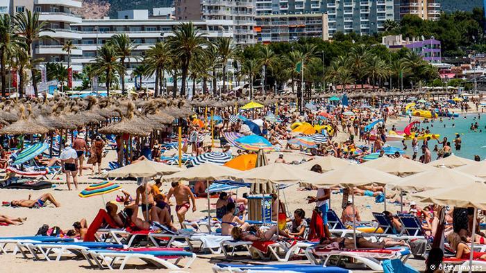Туристы на испанском острове Мальорка