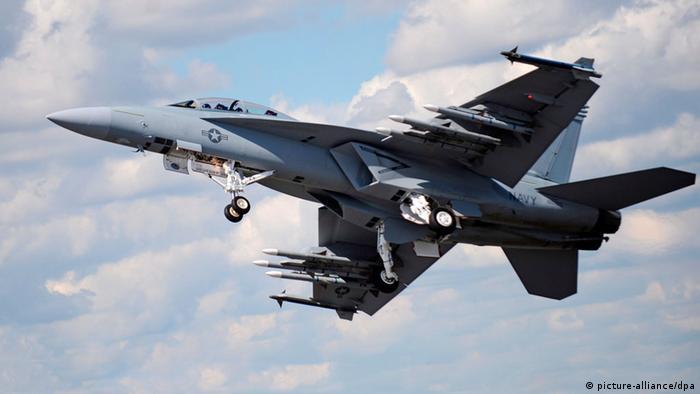F/A-18 Super Hornet US-Kampfjet USA Irak Islamischer Staat Symbolbild Angriff