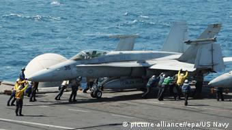 USA Irak Bombardierung Islamischer Staat US-Kampfjet USS George H.W. Bush