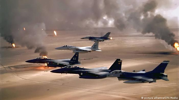 USA Kampfjets Zweiter Golfkrieg 1991 Kuwait (picture alliance/CPA Media)