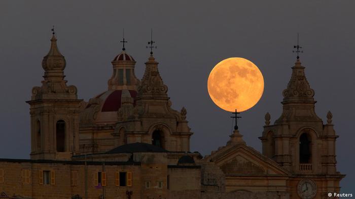 Bildergalerie Supermond Malta 10.08.2014