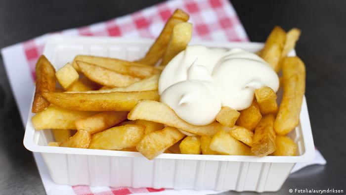 Belgian fries with mayonnaise (Fotolia/auryndrikson)