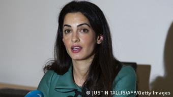 Amal Clooney (Photo credit should read JUSTIN TALLIS/AFP/Getty Images)