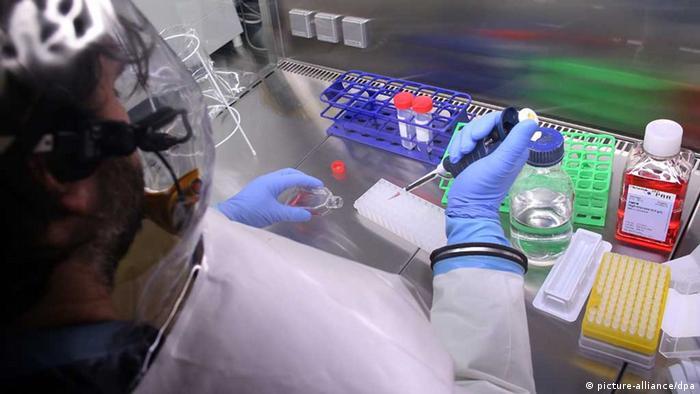 Ebola / Virologe / BSL