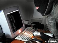 Gambar  simbol kejahatan internet