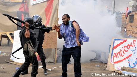 Kairo Ausschreitungen bei Erstürmung der Protestlager von Mursi Anhängern Archivbild 2013
