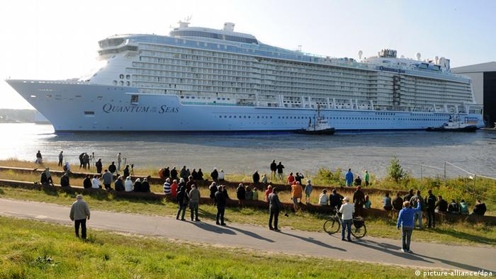 Ovaj kruzer Kvantum mora je 2014. bio nov i jedan od najvećih na svetu. Iz nemačkog brodogrališta krenuo je da plovi pod zastavom američke firme Royal Caribbean International.