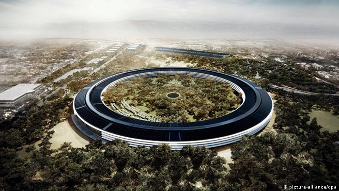 The planned headquarters of Apple in Cupertino, California, Copyright: EPA/FOSTER