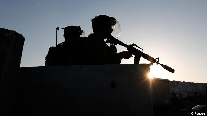 Palestinian shot dead at Gaza border