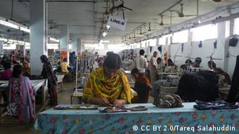 Seamstresses at a textile factory (Photo: CC BY 2.0/Tareq)