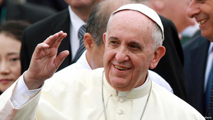 Kiongozi wa kanisa katoliki duniani Papa Francis (Reuters)