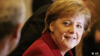 Die designierte Bundeskanzlerin Angela Merkel waehrend einer Fraktionssitzung in Berlin am Montag, 21. November 2005.