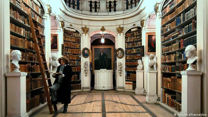 Dutchess Anna Amalia Bibliothek in Weimar, Copyright: Martin Schutt dpa/lth