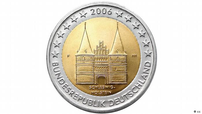 Голштинские ворота на немецкой монете в 2 евро 2006 года