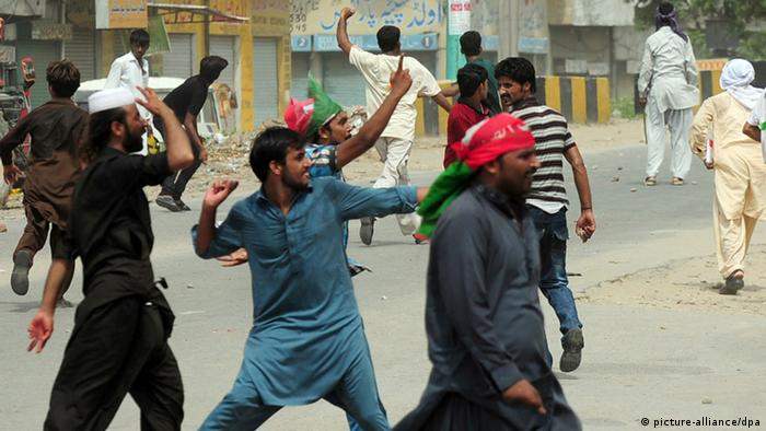 Gewalt beim Marsch der Millionen in Pakistan (Foto: AFP/Getty Images)