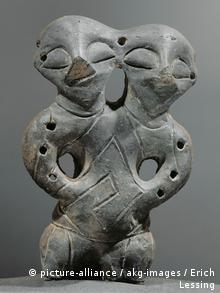Figur mit zwei Köpfen Steinzeit Vinca-Plocnik-Kultur
