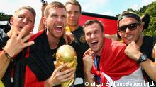 Per Mertesacker erklärt Rücktritt aus Nationalmannschaft