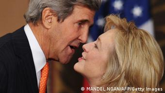 Hillary Clinton und John Kerry (Photo: MANDEL NGAN/AFP/Getty Images)