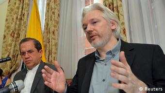 Julian Assange PK in London 18.08.2014