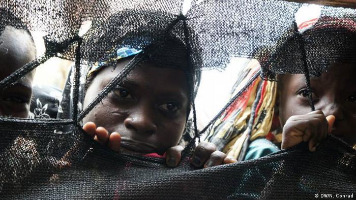 Kinder im Südniger (Foto: Naomi Conrad/DW)