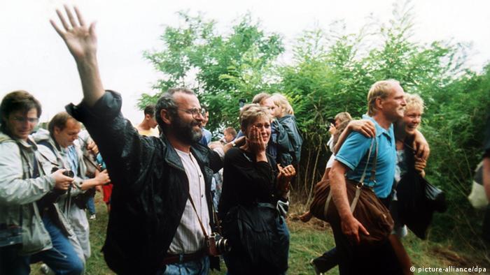 Sopron Massenflucht der DDR Bürger nach Österreich 19.08.1989 (picture-alliance/dpa)