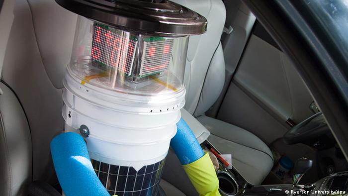 Roboter Hitchbot trampt durch Kanada
