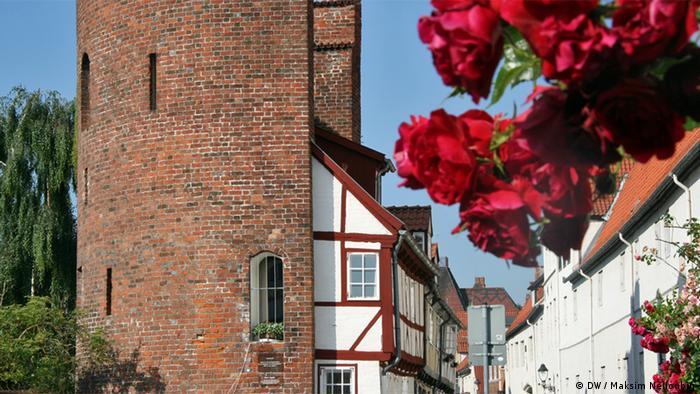 Одна из башен бывшей городской стены