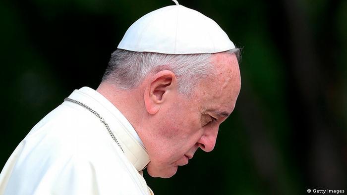 پاپ فرانسیس در مقایسه با رهبران پیشین کلیسا در بسیاری زمینهها از جمله حقوق همجنسگرایان و اقلیتهای جنسی دیدگاههای منحصربهفردی دارد