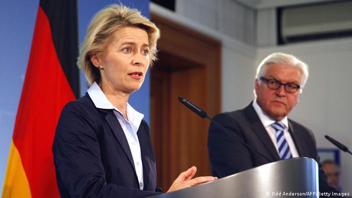کنفرانس مطبوعاتی وزیر دفاع (چپ) و وزیر امور خارجه آلمان روز چهارشنبه (۲۰ اوت) در برلین