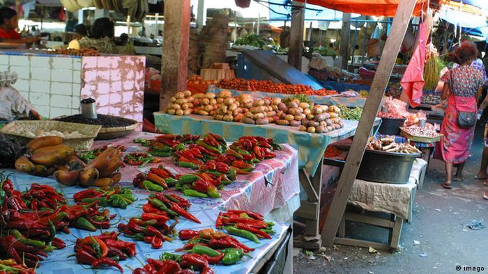 Osttimor Markt Archiv 2004 (imago)