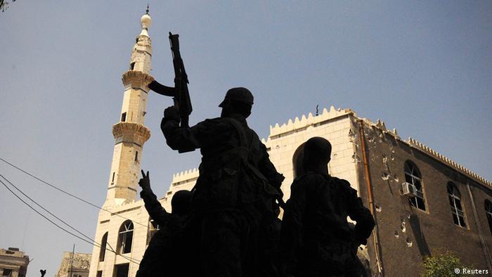 Syrien Bürgerkrieg Regierungstruppen bei Damaskus Zerstörrungen