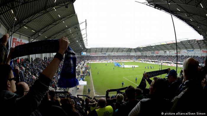 Bundesliga Stadien (Bildergalerie) Benteler Arena