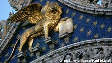 Lion detail of San Marco Cathedral, Venice Italy Europe 08.04.2009 picture-alliance/Paul Mayall