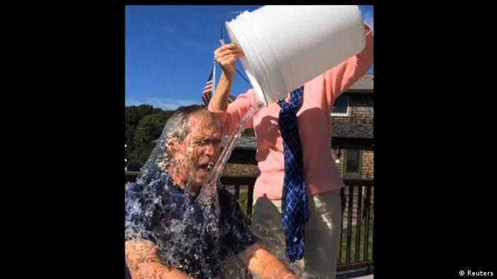 جرج دبلیو بوش، رئیس جمهور اسبق آمریکا در چالش سطل آب یخ.