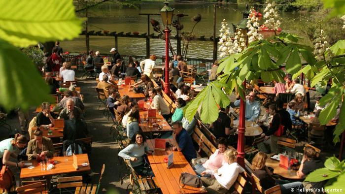 Hellers Volksgarten Biergarten in Köln