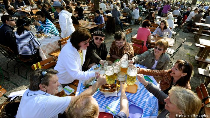 Hirschgarten Biergarten in Munich, Copyright: picture-alliance/dpa