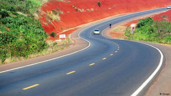 Nairobi: Muitas estradas africanas foram construídas por empresas chinesas nos últimos anos