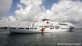China Hospitalschiff Peace Ark vor Afrika