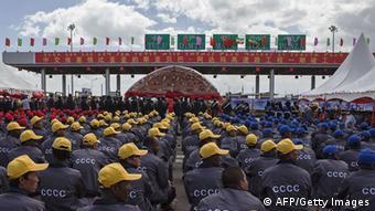 China Investment Afrika Äthiopien - Adama toll road Arbeiter